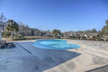 Plantation Landing Swimming Pool